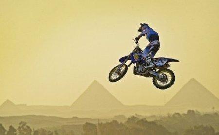 Saltando entre las pirámides