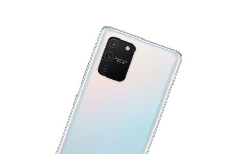 Samsung Galaxy S10 Lite: el Galaxy S más básico es también el más grande