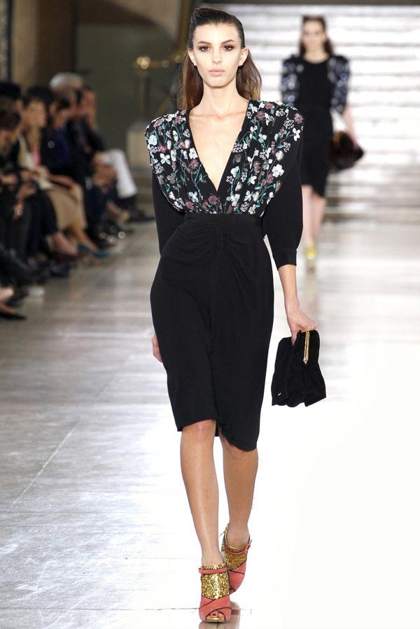 Foto de Miu Miu Otoño-Invierno 2011/2012 en la Semana de la Moda de París: Miuccia Prada al rescate (11/20)