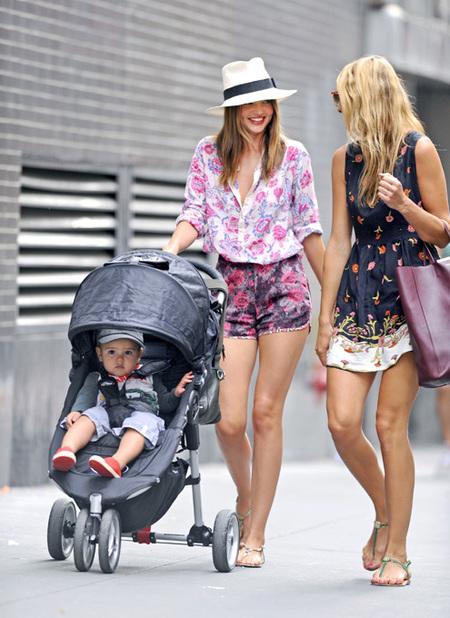 Miranda Kerr sombrero