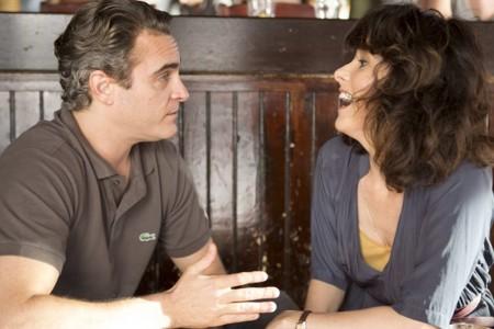 Joaquin Phoenix y Parker Posey en