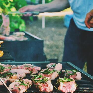 Siete barbacoas de jardín para disfrutar con tus amigos este verano