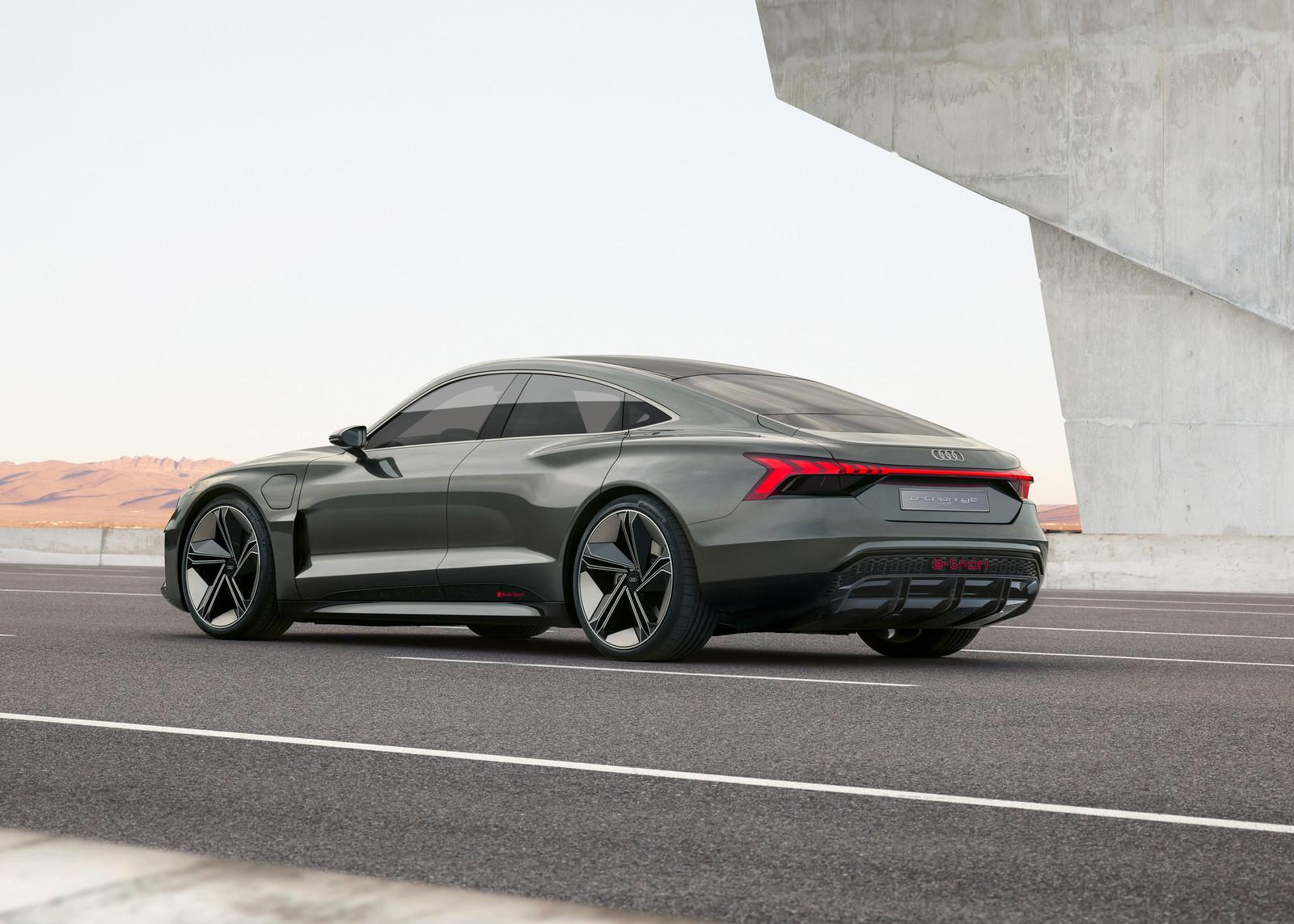 Foto de Audi e-tron GT concept 2018 (28/55)