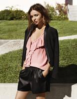 Pero mira qué bien le sientan a Miranda Kerr los modelitos de H&M