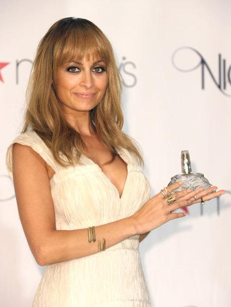 Nicole Richie presenta su nuevo perfume de inspiración muy maternal