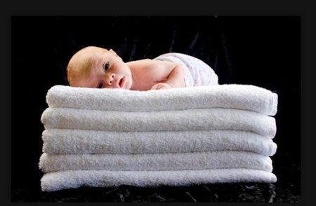 Para qué sirven las toallas calientes en los partos de película