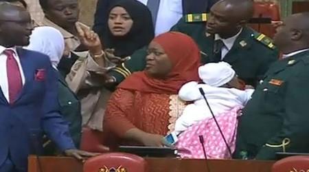 Una diputada de Kenia es expulsada del Parlamento por acudir con su bebé: ¿dónde queda la conciliación?