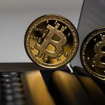 ¿Es dinero el Bitcoin? El Tribunal Supremo considera que no en la primera condena por estafa con esta criptomoneda