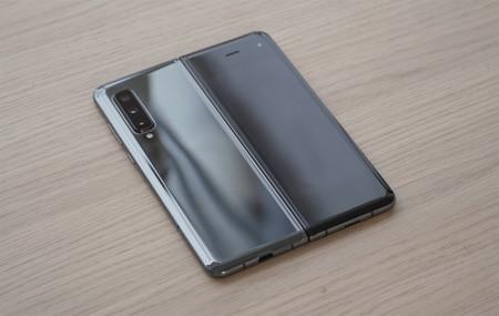 Samsung Galaxy Fold Diseno 01