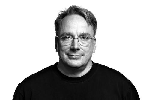 Linus Torvalds detesta las redes sociales y cree que son una enfermedad que alienta el mal comportamiento