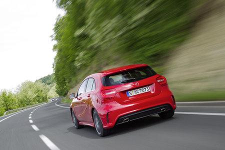 Mercedes-Benz Clase A rojo