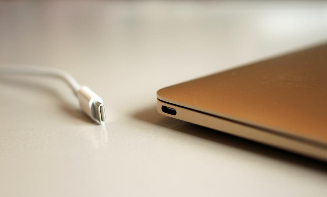 Intel da el paso para que los próximos Macs con Thunderbolt 3 sean más delgados