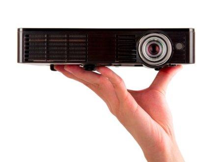 El ViewSonic PLED-W500 más portátil llega a España
