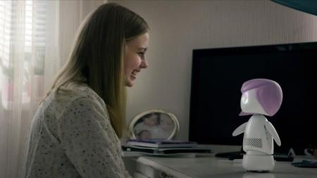 Quién está detrás de los chistes que cuentan Alexa y el Asistente de Google Home