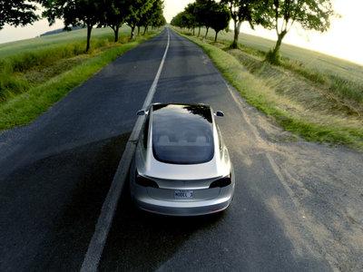 Los impuestos y los altos precios limitan la compra de vehículos eléctricos en Colombia