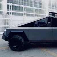 Esta réplica de la Tesla Cybertruck es un curioso maridaje entre pick-up y Lamborghini