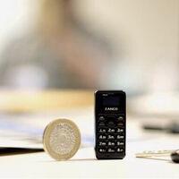 El móvil más pequeño del mundo pesa 14 gramos y es poco más grande que una moneda