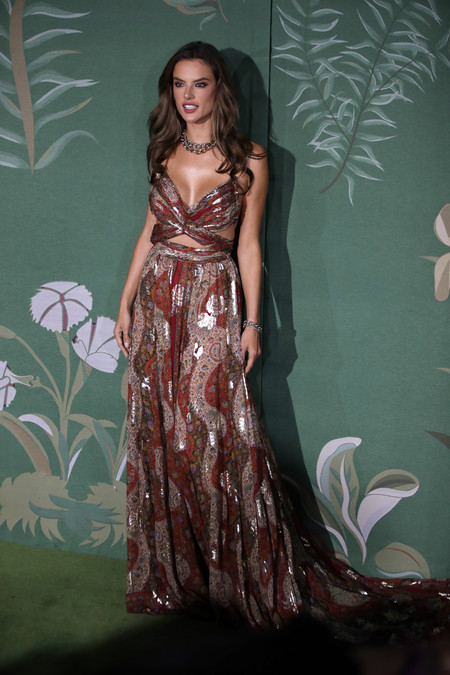 Alessandra Ambrosio green carpet fashion awards