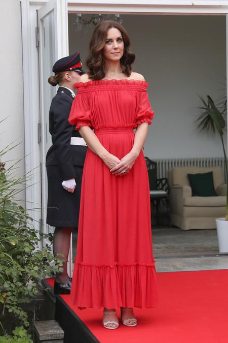 kate middleton look estilismo outfit rojo