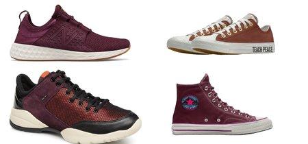 En la resaca del Black Friday también tenemos ofertas en zapatillas como New Balance o Converse