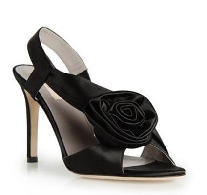Valentino de negro