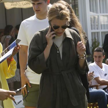 Marta Ortega tiene el trench de lino de Zara que está rebajado y es perfecto para cuando refresca