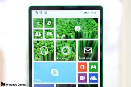 El primer móvil sin marcos pudo ser un Lumia que no habría costado más de 200 euros