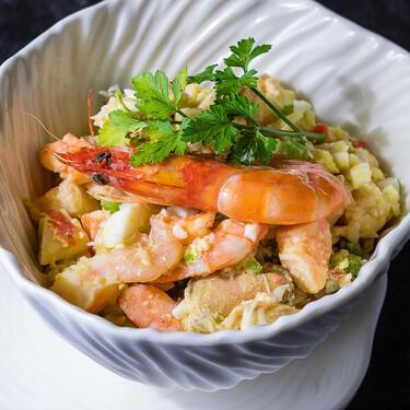 Cómo hacer salpicón de marisco: una receta mediterránea de la que nunca nos cansamos