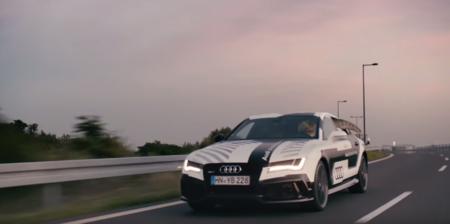 Audi sigue preparándonos para sus vehículos autónomos, ahora con la ayuda de un T-Rex