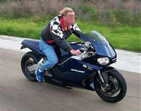 La moto no arranca si no te pones el casco