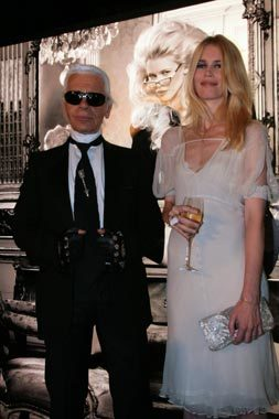 Claudia Schiffer imagen de un champagne