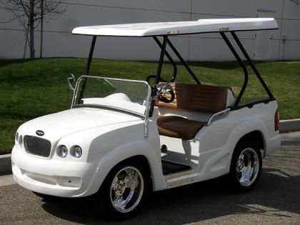 Carritos de golf con pinta de coches