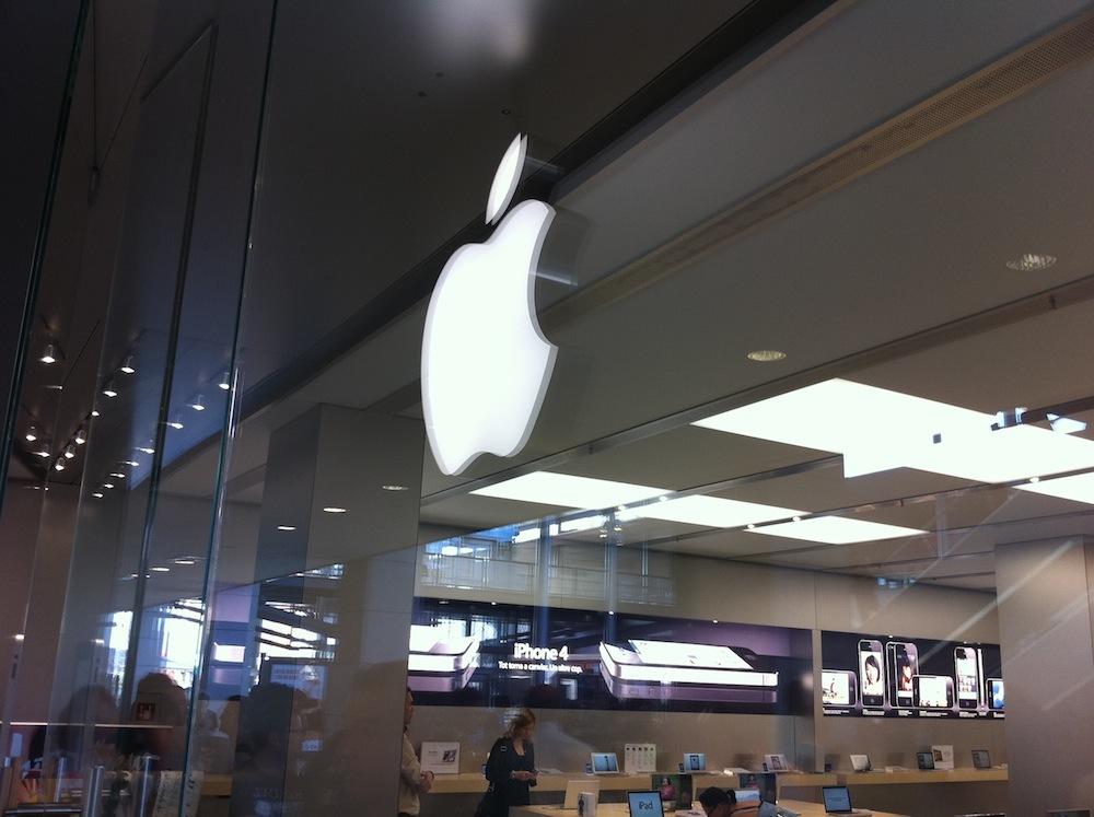 Foto de Inauguración Apple Store La Maquinista (35/93)