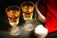 Cuidado con el exceso de alcohol en las comidas navideñas