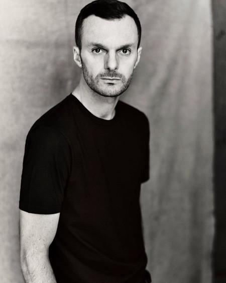 Tras dejar Dior Homme, Kris Van Assche es nombrado el nuevo diseñador de Berluti