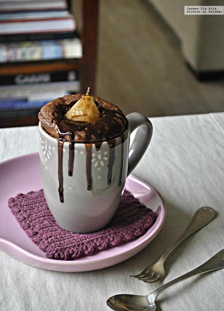 Mug cake de chocolate, jengibre y pera. Receta para unas prisas