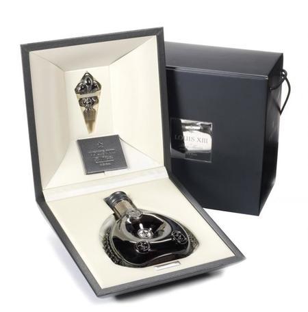 El coñac LOUIS XIII cumple 140 años con botella de edición limitada