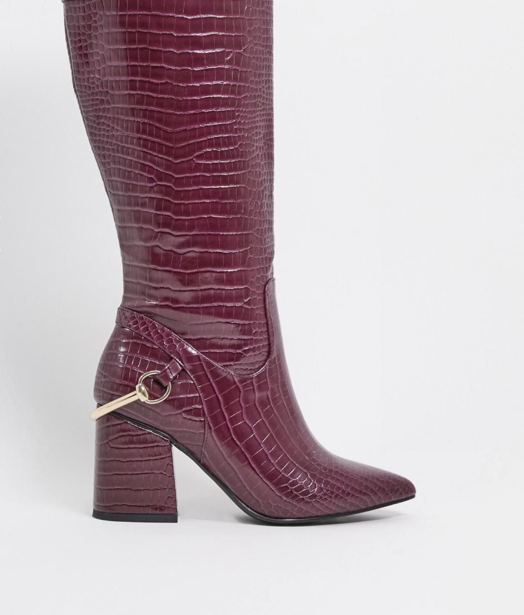 Botas altas de tacón en bloque con diseño de cocodrilo violeta Collins de ASOS DESIGN