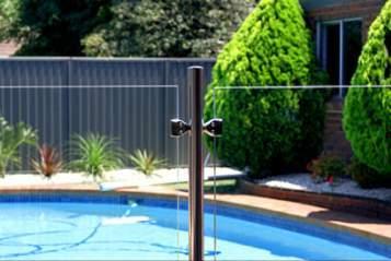 Paneles de vidrio de protección para tu piscina