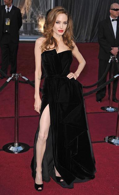El look de Angelina Jolie en la alfombra roja de los Oscars 2012