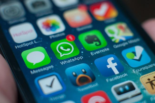 WhatsApp grupos reenvio mensajes