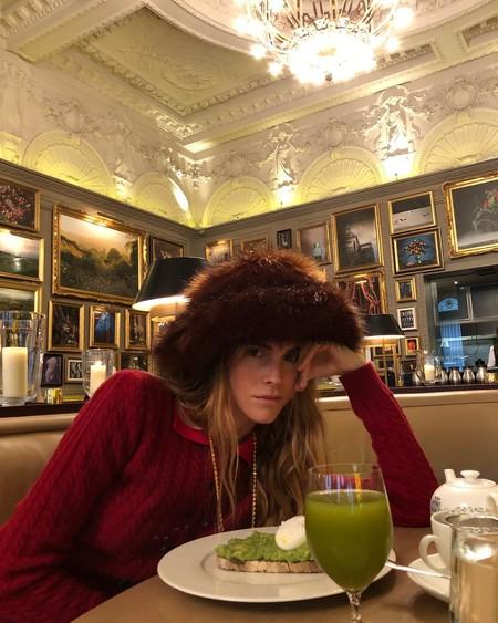 Esta extremada firma de sombreros está causando sensación en Instagram con modelos que enamorarían a la mismísima Reina de Inglaterra