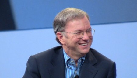 """Eric Schmidt provoca carcajadas entre el público: """"Android es más seguro que iOS"""""""