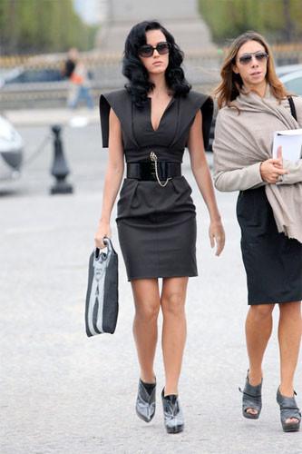 Katy Perry se luce en los front-rows de París