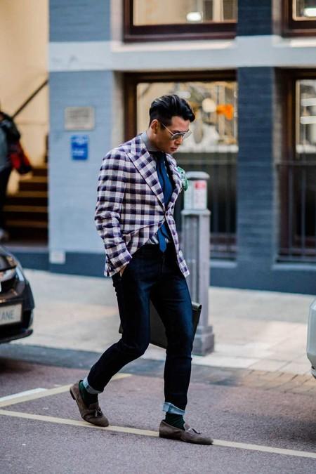 Los Cuadros Invaden El Mejor Street Style De La Semana Este Otono Alrededor Del Mundo 01