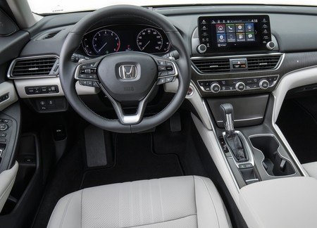Honda Accord 2018 3
