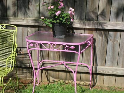 ¿Y por qué no muebles de jardín en rosa?