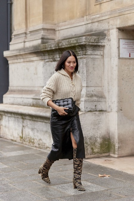 falda tubo negra piel