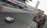Triplete del Mercedes-Benz SLS AMG GT3 en las 24 horas de Dubai