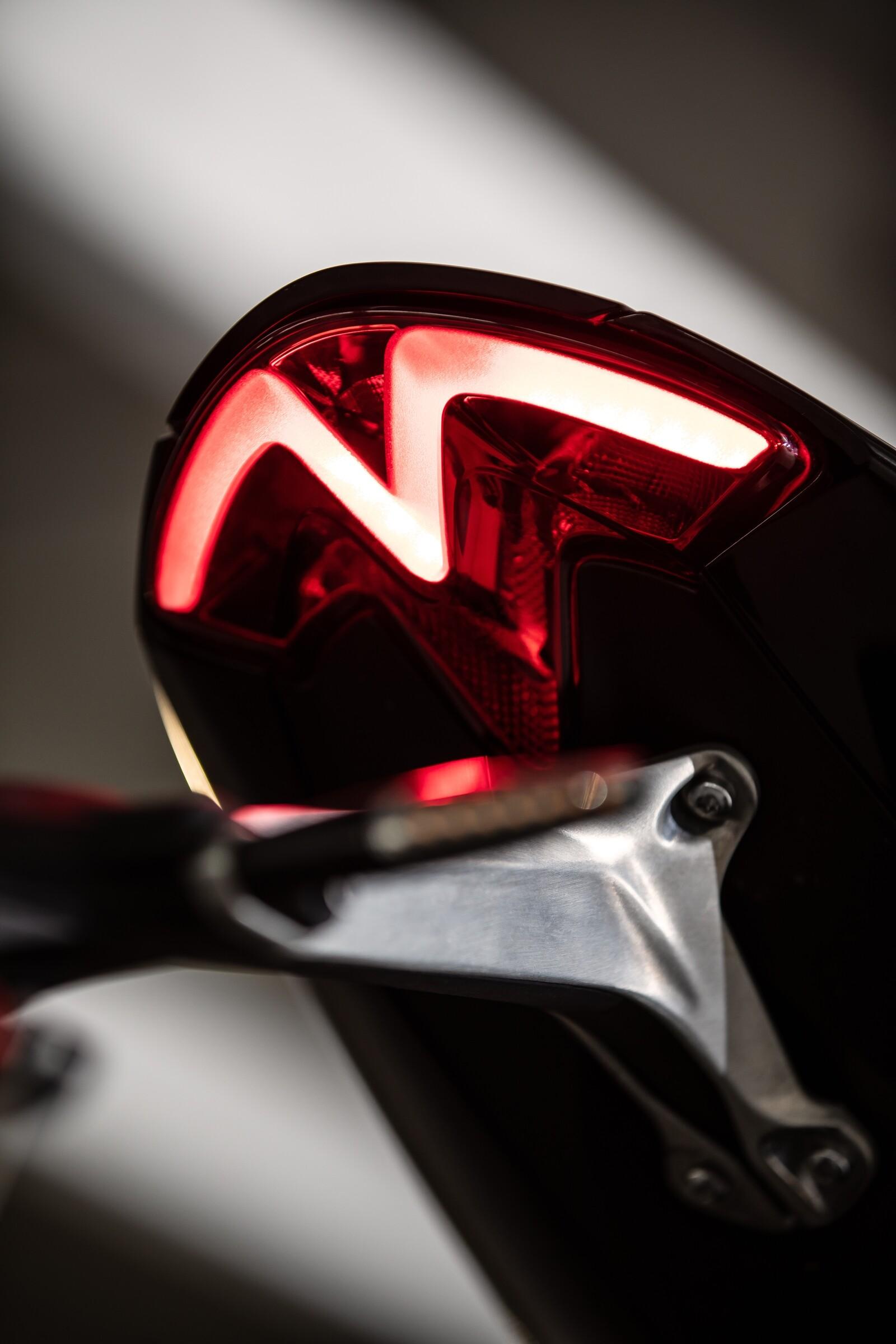 Foto de Triumph Speed Triple 1200 RS 2021 (60/71)
